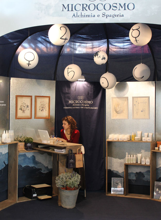 Stand Microcosmo